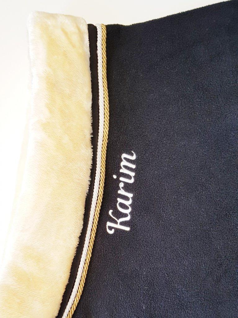 Paarden deken halslijn borduren