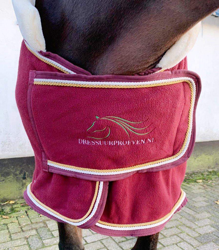 Paardendeken borduren borst