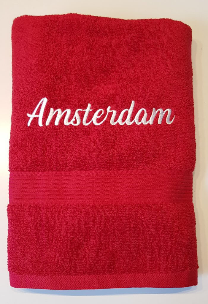 Handdoek borduren met lettertype naar wens