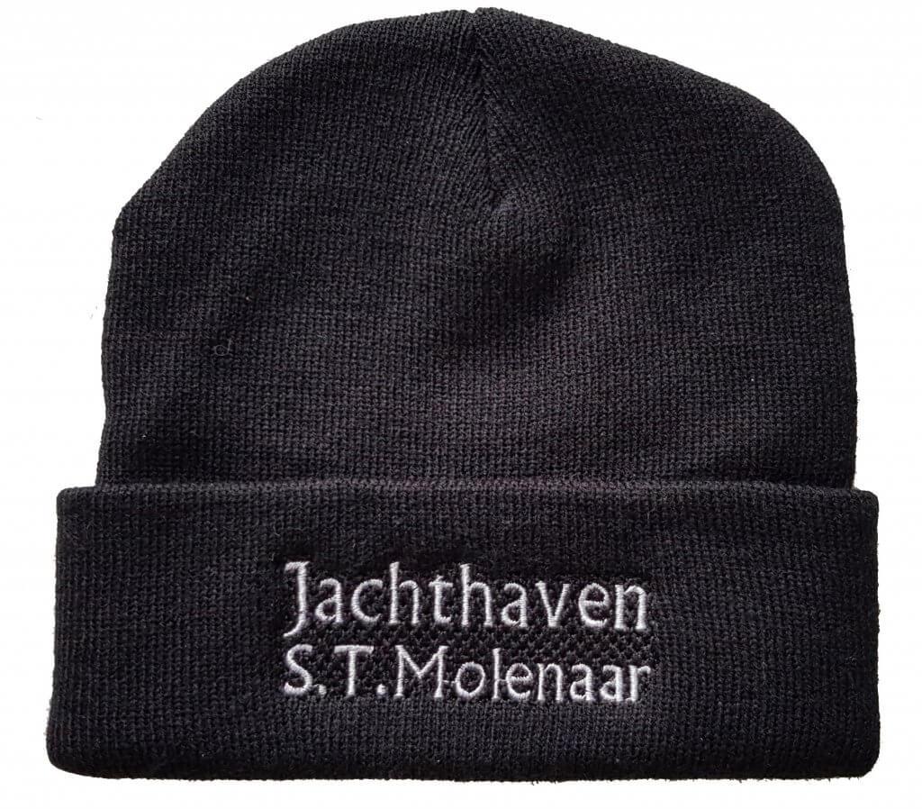 Muts geborduurd met logo Jachthaven