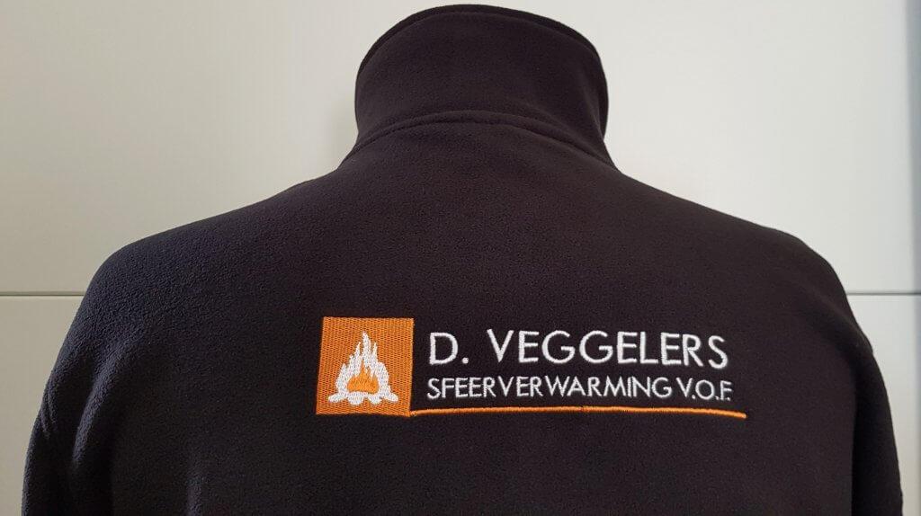 Rug logo borduring D.Veggelers