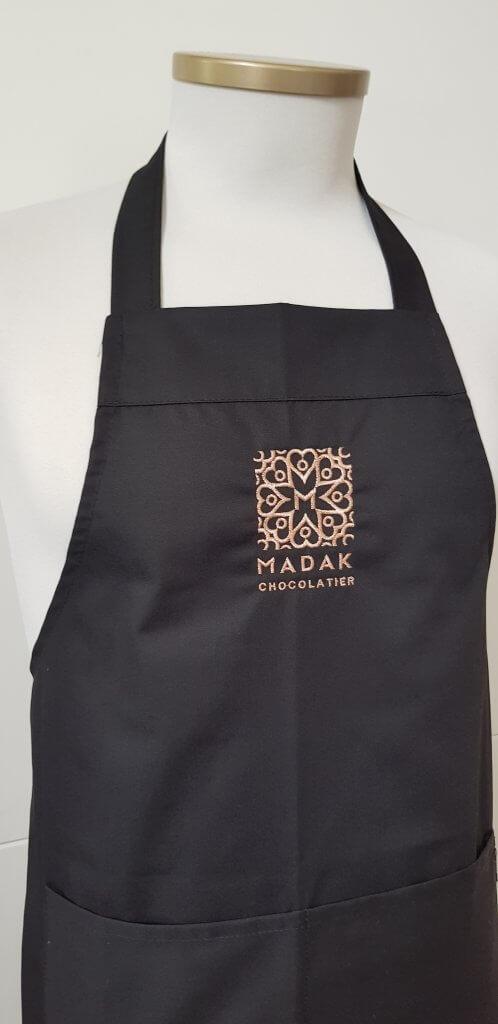 Schort met logo borduring Madak
