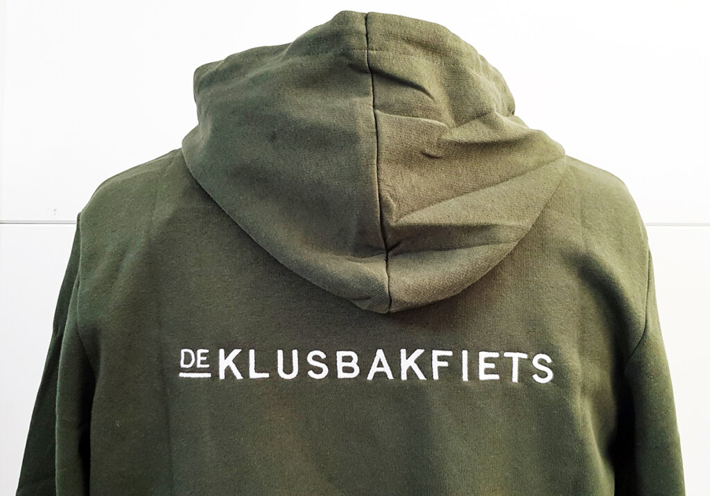 De Klusbakfiets borduring hoodie