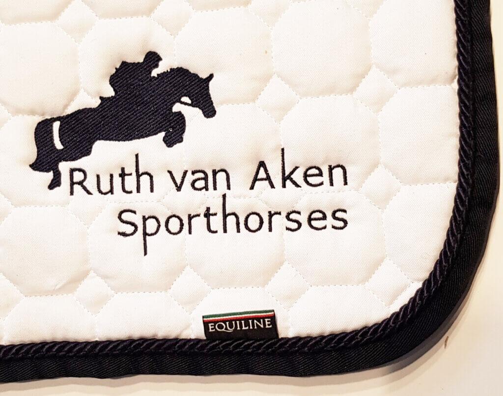 Ruth van Aken Sporthorses borduring